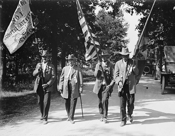 RELee Camp Gettysburg 1913 720